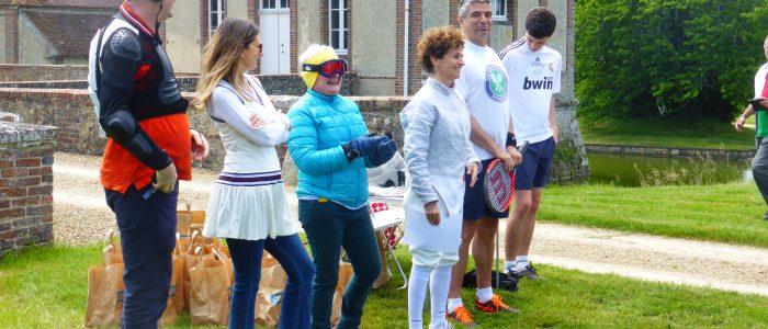Les organisateurs en tenue sportive